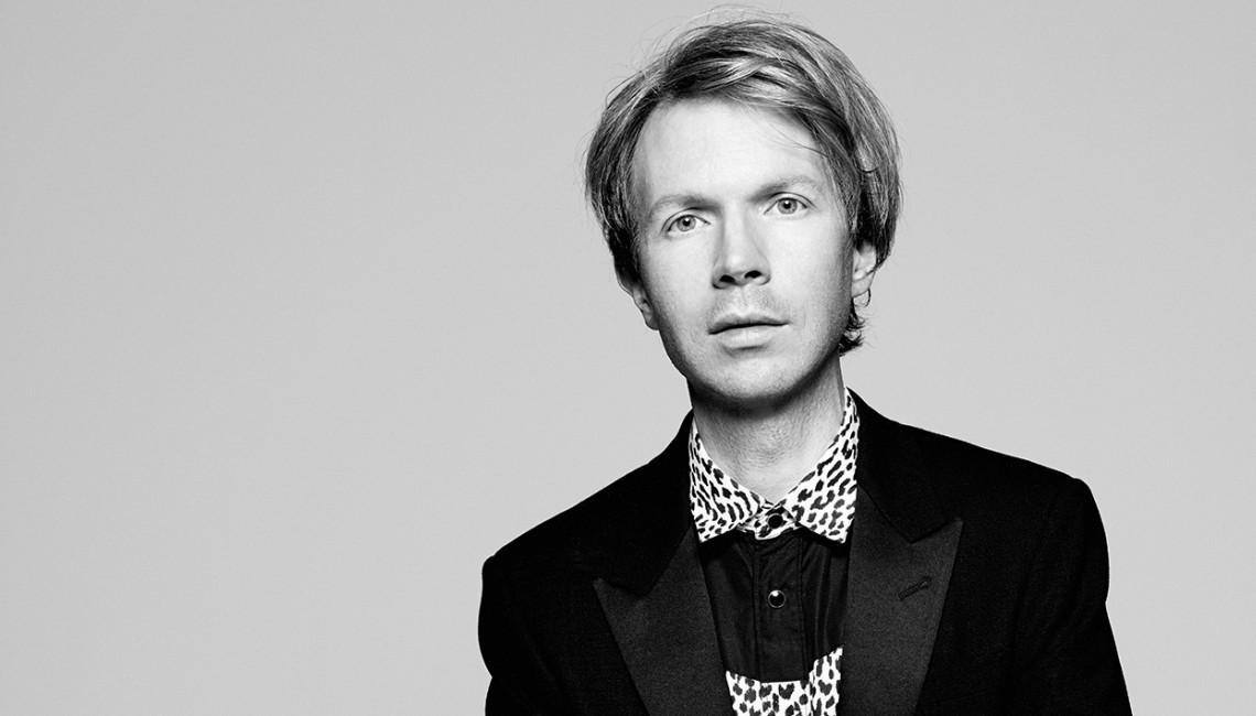 """Beck zapowiada nową płytę utworem """"Dark Places"""""""