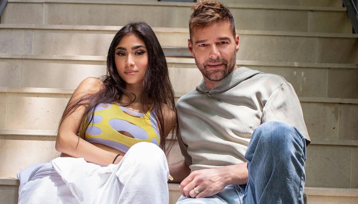 "Ricky Martin i Paloma Mami porywają do tańca w ""Qué Rico Fuera"""