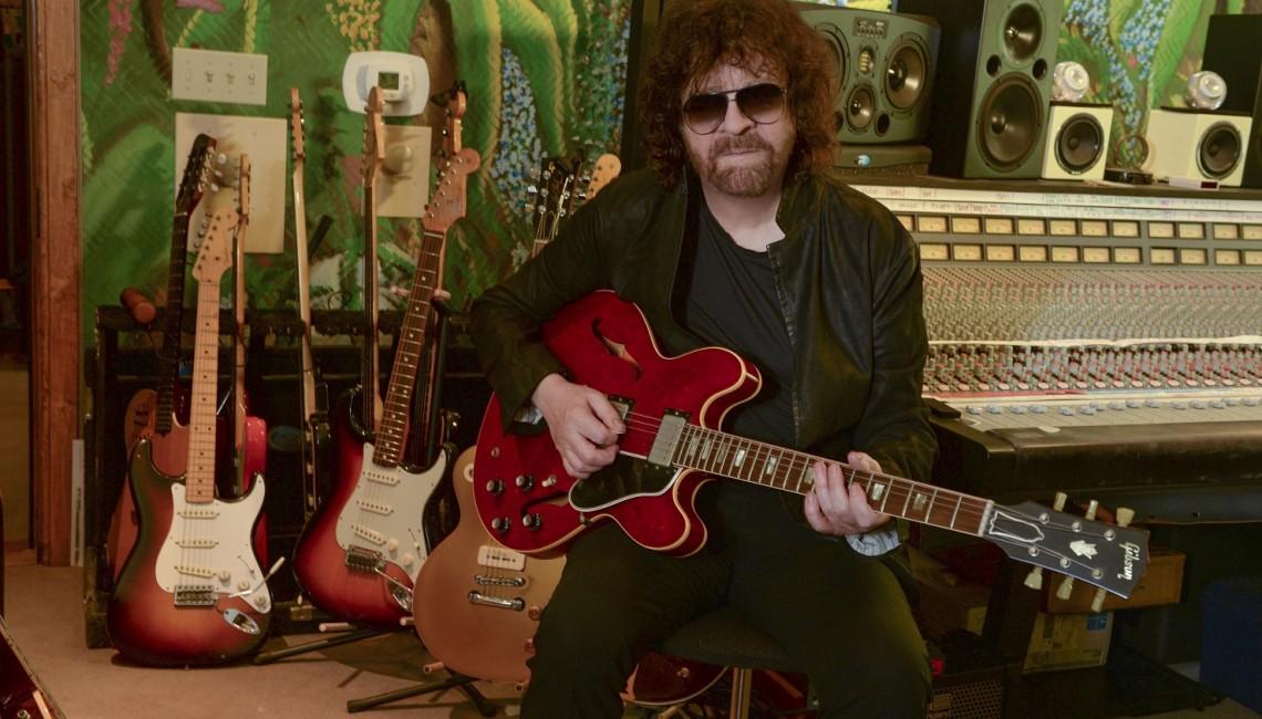 """ELO Jeffa Lynne'a ląduje z koncertową płytą """"Wembley Or Bust"""" - premiera 17 listopada!"""