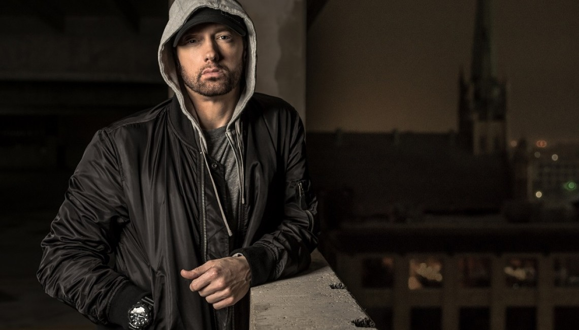 """Niewinni obywatele opętani w klipie """"Venom"""" Eminema"""