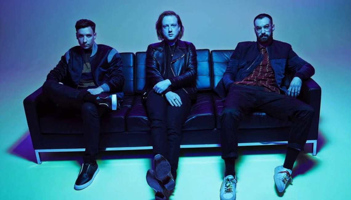 "Two Door Cinema Club prezentuje klip do ""Satellite"""