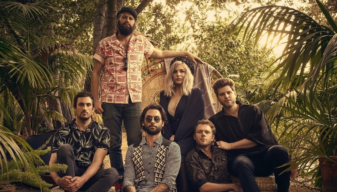 """The Head And The Heart powracają z nowym singlem """"Missed Connection"""". Premiera albumu """"Living Mirage"""" w maju"""