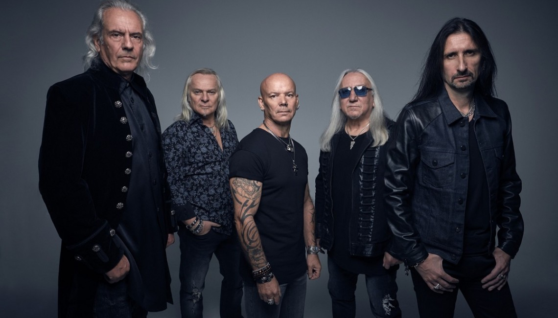 "Uriah Heep: Zobacz lyric video do utworu ""Knocking At My Door"""