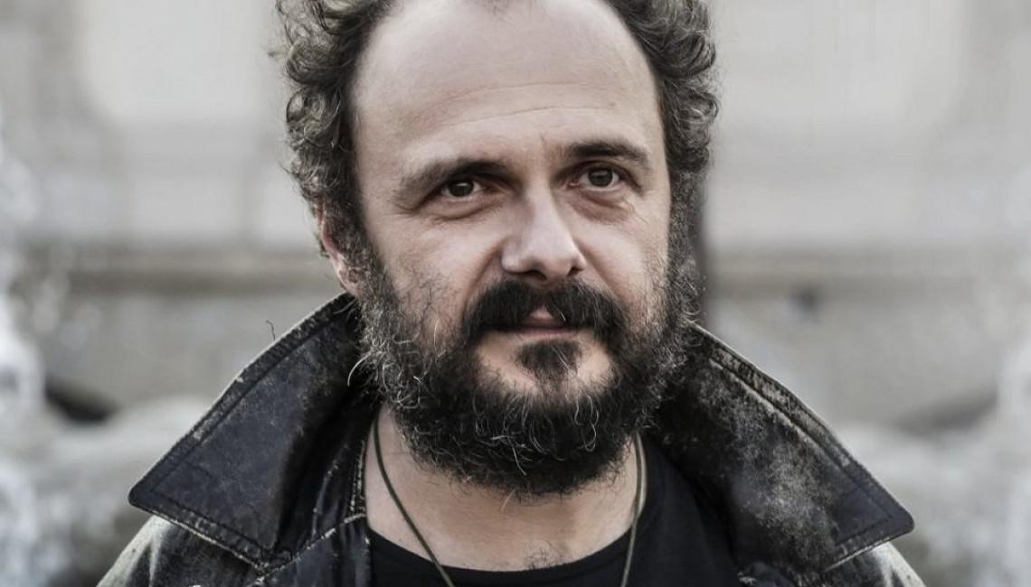 "Arek Jakubik zaprezentował okładkę płyty ""Szatan na Kabatach"""