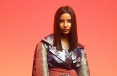 """""""SMRC"""" - nowa twarz Julii Wieniawy. Zobacz przejmujący teledysk do utworu"""