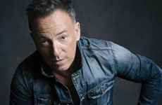 """Bruce Springsteen: zapis niezwykłego występu """"Springsteen On Broadway"""" na płytach CD i LP!"""