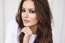 """Natalia Szroeder w nowej odsłonie, zobacz teledysk do utworu ''Parasole"""""""