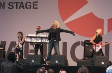 Kim Wilde śpiewa The Cure i Buzzcocks
