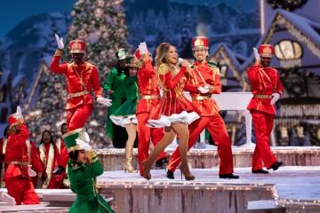 "Galeria: Sesja zdjęciowa z show ""Mariah Carey's Magical Christmas Special"""