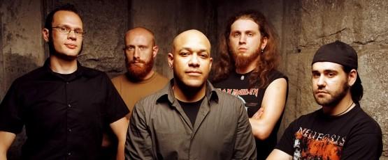 """Legenda metalcore'u wróciła. Killswitch Engage prezentuje """"Atonement"""" i klip z byłym wokalistą!"""