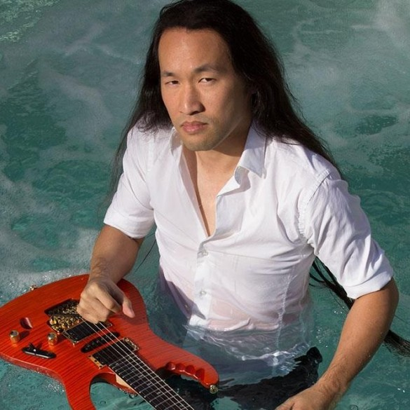 """Herman Li (DragonForce): """"Muzyka jest sposobem, by chociaż na moment uciec od otaczającego nas szalonego świata"""""""