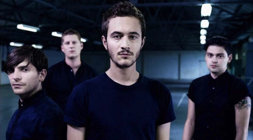 "Editors w teledysku do ""Darkness At The Door""!"