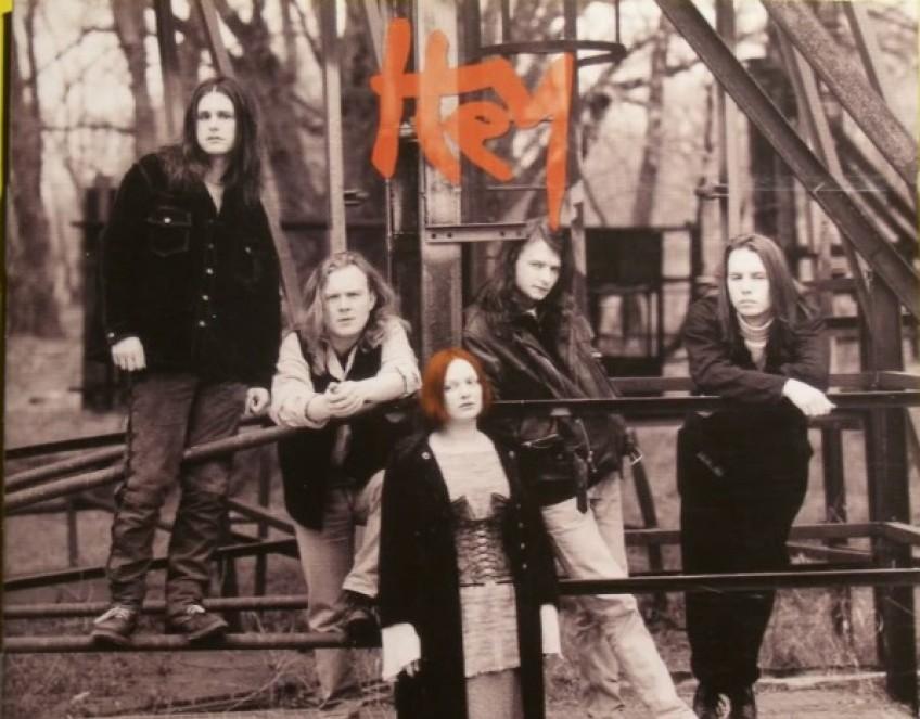 Piotr Banach powraca do zespołu Hey!